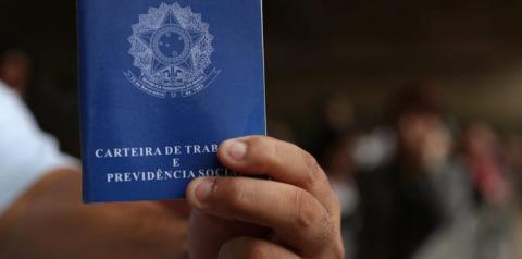 675 mil brasileiros ficaram desempregados em uma semana, aponta IBGE
